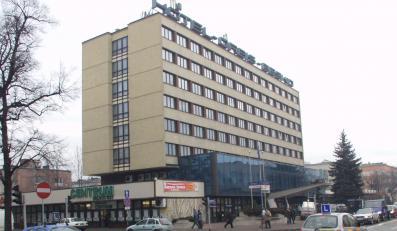 """""""Fakt"""" - pracownicy ZUS z Nowego Sącza wydali na pokoje w hotelu 40 tys. zł"""