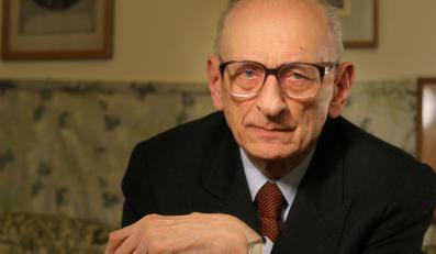 Ubeckie teczki w IPN skrywają bogatą przeszłość Władysława Bartoszewskiego
