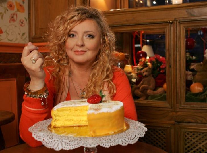 Magda Gessler piecze walentynkowy deser