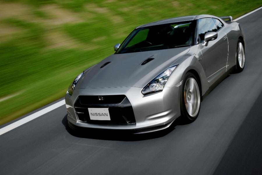 Zobacz Nissana GT-R na torze Nürburgring
