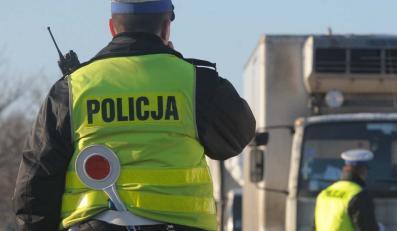 Policjanci szukają tysiąca impotentów