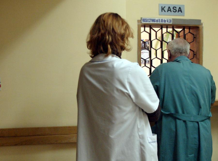 Posłowie decydują, czy szpital ma brać opłaty