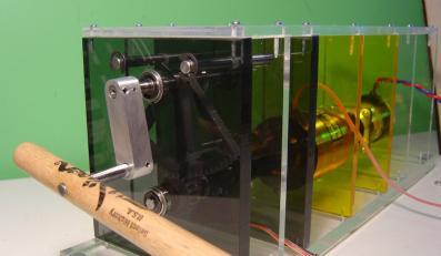 Ta maszyna nauczy Cię grać na perkusji