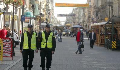 Na ulicach zabraknie policjantów