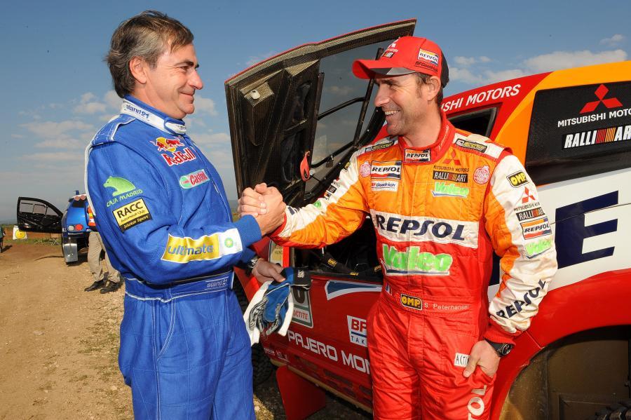 Twardziele - Carlos Sainz z VW (z lewej) i Stephane Peterhansel z Mitsubishi