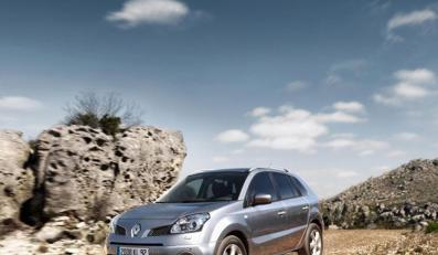 Nie siedź w domu! Zrób fotkę nowej terenówce Renault