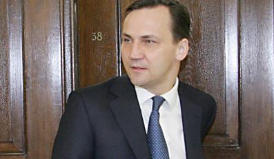 Radosław Sikorski w poniedziałek poleci do Tbilisi ratować pokój