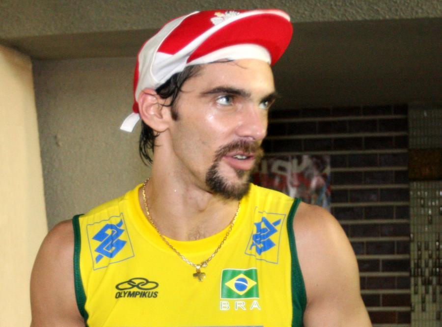 Brazylijczyk Giba, przekazał dla Agaty Mróz swoją koszulkę
