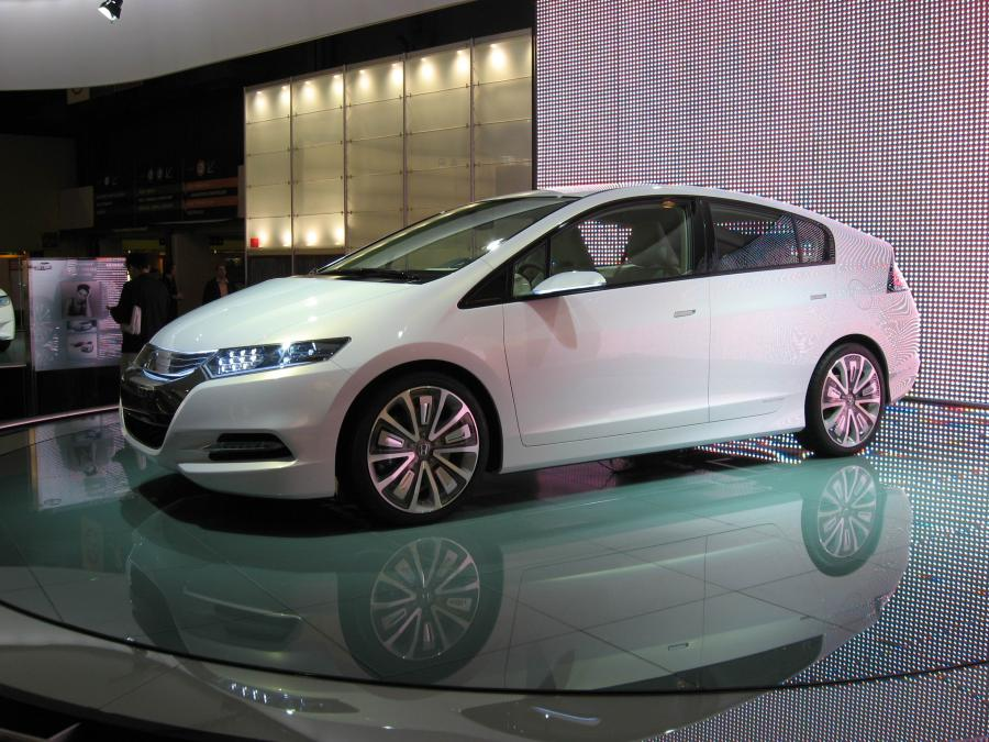 Produkcyjna wersja Hondy Insight wejdzie do sprzedaży w Europie, Japonii i Ameryce Północnej w pierwszej połowie 2009 roku