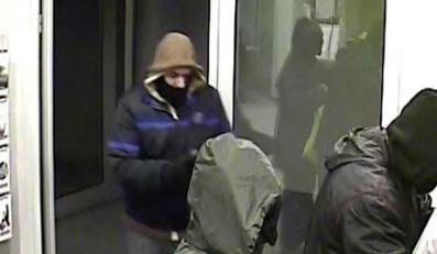 Ten bandyta napadł na bank. Znasz go?