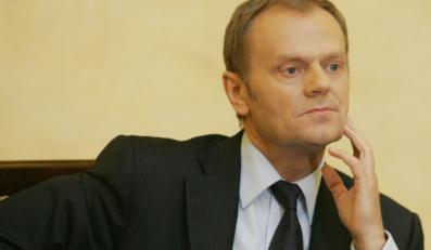 Donald Tusk broni szefa CBA