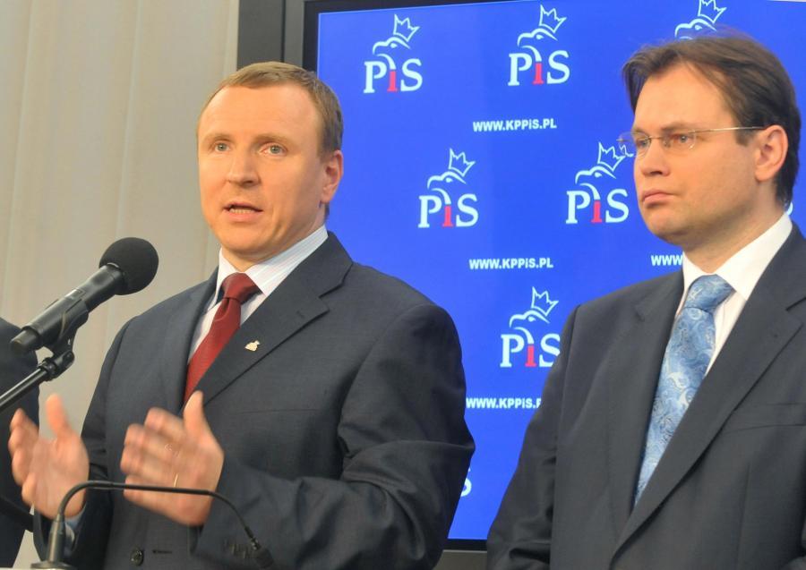 Posłowie PiS opuścili tajne obrady komisji ds. nacisków