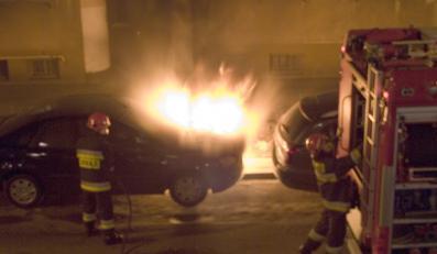 Umorzono śledztwo w sprawie podpalenia samochodu Julii Pitery
