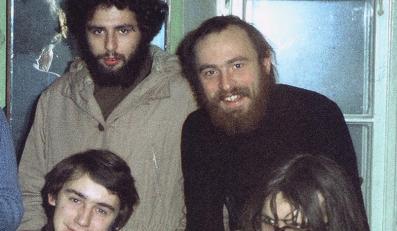 Lesław Maleszka (w okularach) wśród kolegów w latach 70