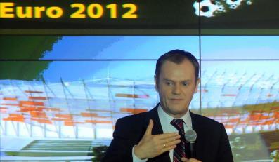 Donald Tusk ma przekonać szefa UEFA, że Polska da radę zorganizować Euro 2012