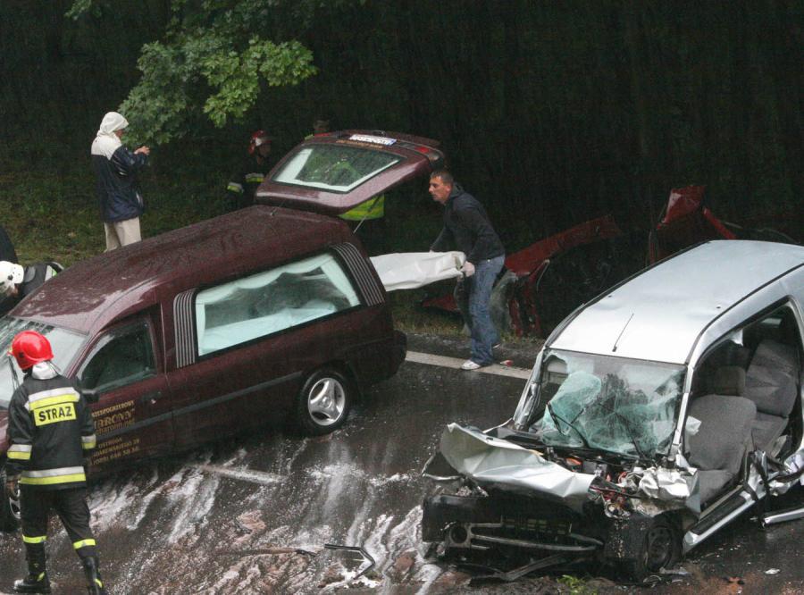 Cztery osoby zginęły w wypadku po Ostrudą