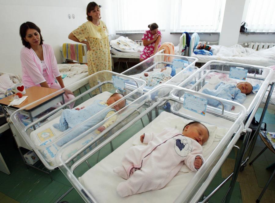 Tusk sprawi, że Polki zaczną rodzić dzieci?