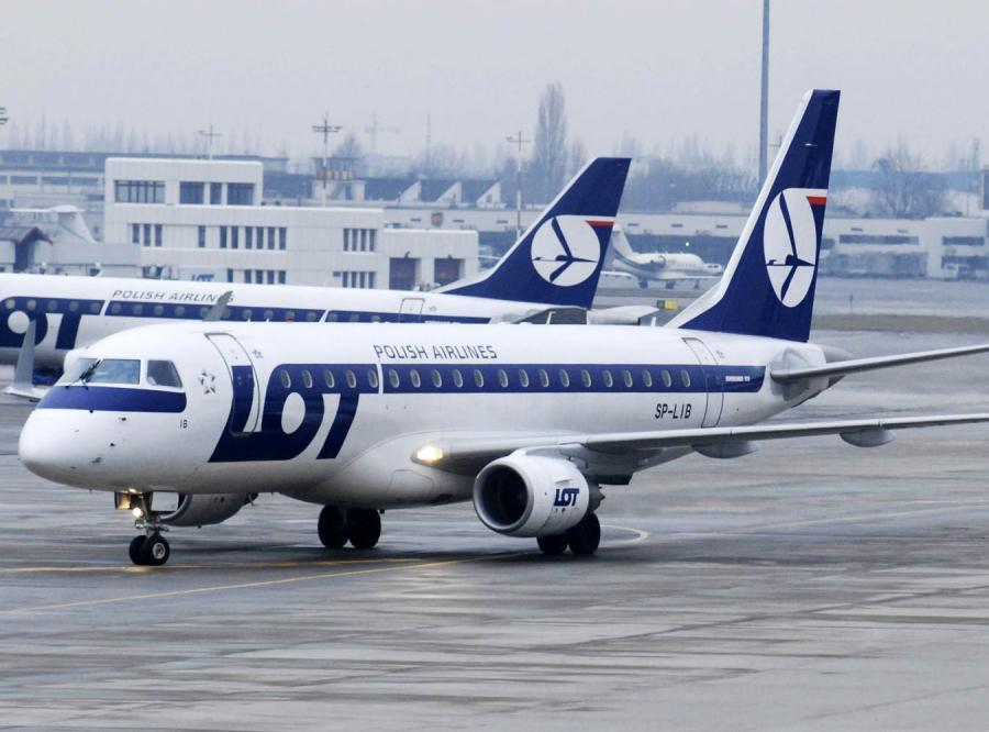 Samolot LOT-u awaryjnie lądował w Wilnie