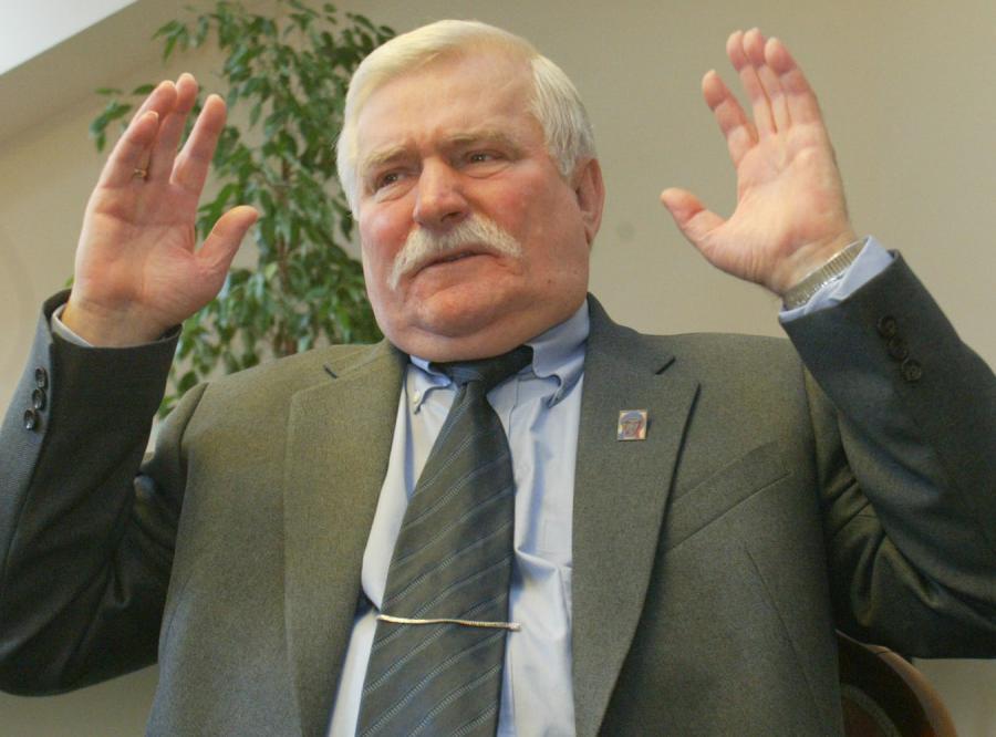 Wałęsa: Mój ojciec przewraca się w grobie