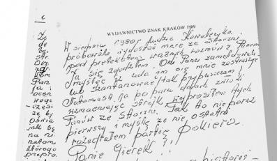 """Kserokopia dedykacji,którą Wałęsa napisał Gierkowi w 1990 r. w swojej książce """"Droga nadziei"""""""