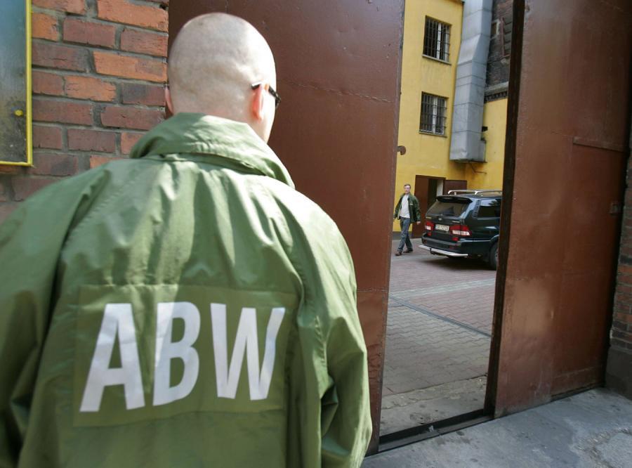 Nowy szef MSWiA robi porządki w ABW