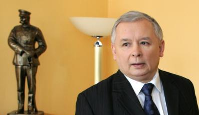 Jarosław Kaczyński oskarża ministra Sikorskiego o ujawnienie tajnej rozmowy z prezydentem