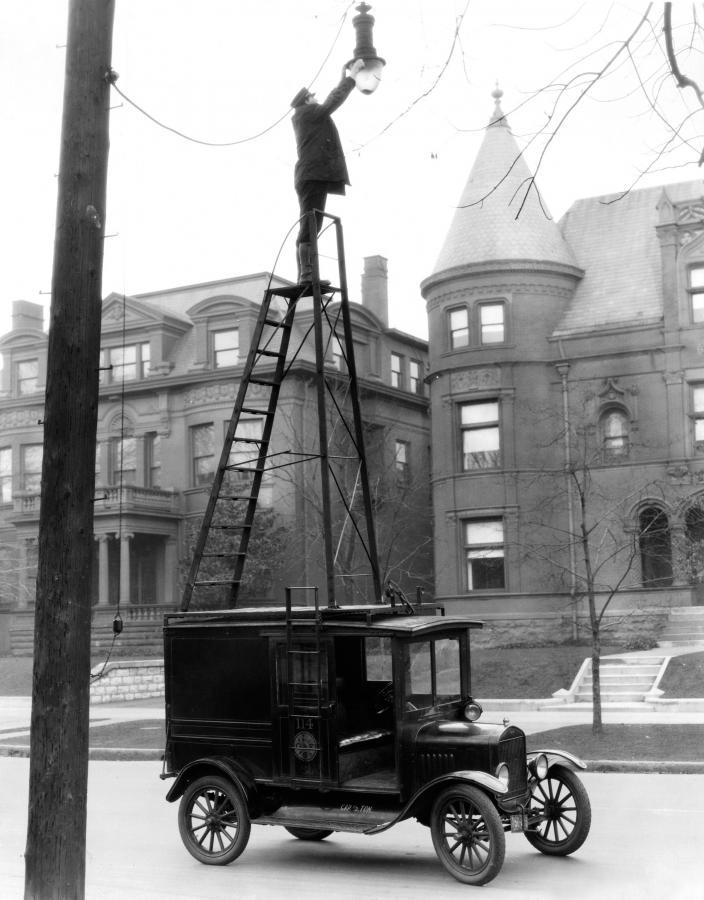 Model T to pierwszy samochód produkowany seryjnie