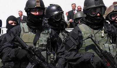 Minister Klich nie zamierza odwoływać dowódcy jednostki specjalnej GROM