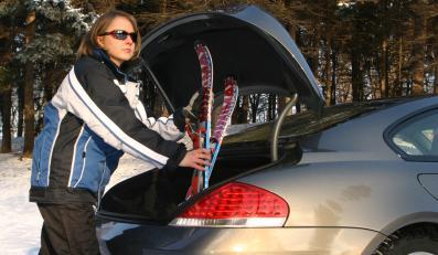 """W 15. odcinku """"Auto Świata"""" dowiesz się, jak bezpiecznie przewieźć narty"""